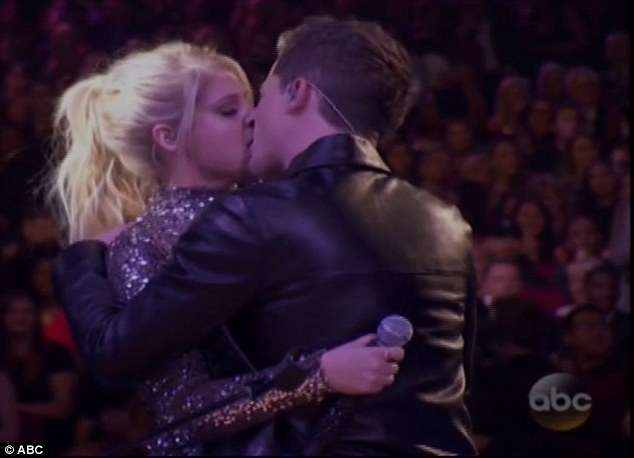 Meghan Trainor & Charlie Puth Get It On Like Marvin Gaye At AMAs